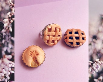 Delicious pie polymer clay statement ring || cute pastry jewlery