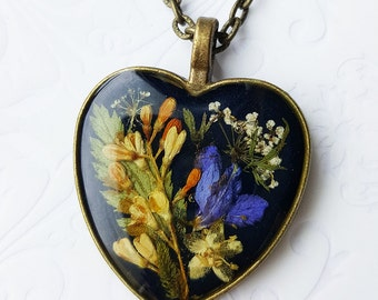Natural flowers, pendant