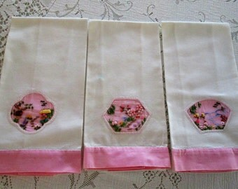 Vintage Guest Towels  Set Of Three With 3 D Insert, Beautiful Guest Towels, Towels, Vintage Linens, Shabby Chic Guest Towels, Retro Towels