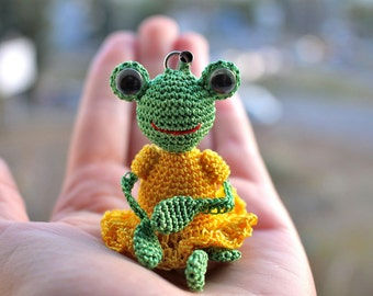 Cute Keychain Frog Crochet Frog Green Amigurumi Toy Knitted Frog Stuffed Animal Gift for Her Toy Toad