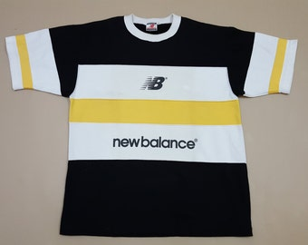 Vintage new balance nice design t-shirt