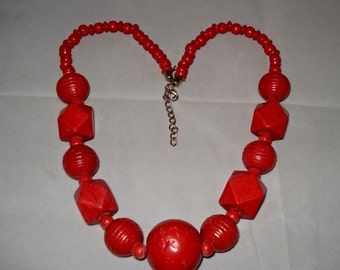 red/rust geometric bead necklace