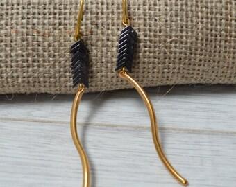 Gold arrow earrings, beaded earrings, hematite earrings, V-shaped earrings, fashion earrings, dangle earrings, women earrings, stud earrings