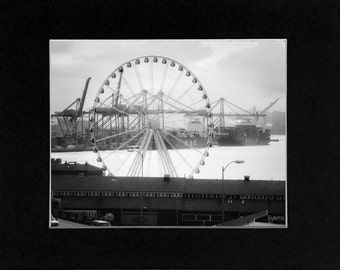 Photo Ferris Wheel in Seattle Washington