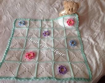 Flower crochet baby blanket