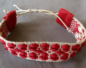 Woven patterned cotton bracelet with glass beads (shiny, twinkling, light-reflecting high quality glass beads)