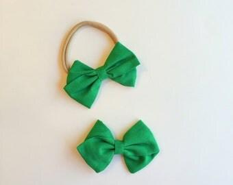 Baby Girl Headband, Green Fabric Bow, Christmas Hair Bow, Fabric Bow Hair Clip, Toddler Hair Clip, Nylon Headband, Baby Shower Gift