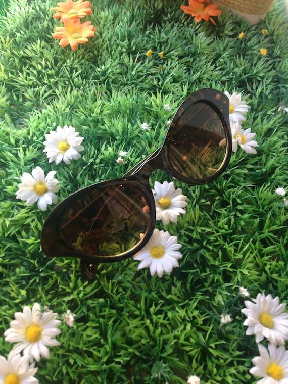 Retro sunglasses cateye