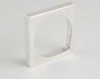 Square ring 1