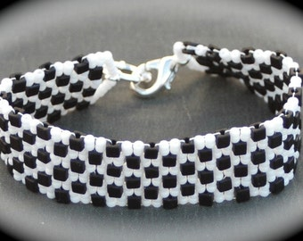 Black and White Peyote Bracelet