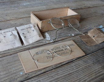 Antique Eye Glasses With Extra Lenses and Case