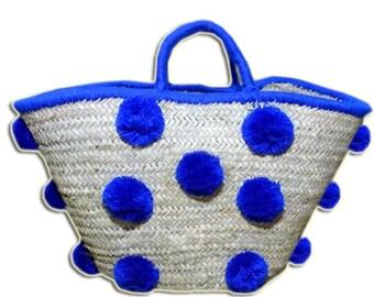 Basket with pompon