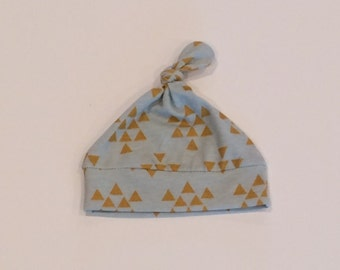knotted baby hat, newborn hat, triangle print hat, cotton jersey hat