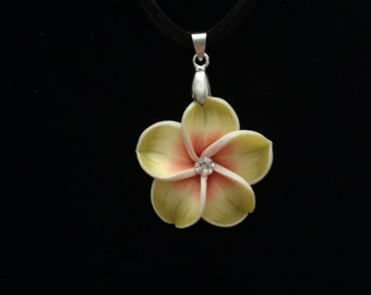 Pretty handmade flower necklace
