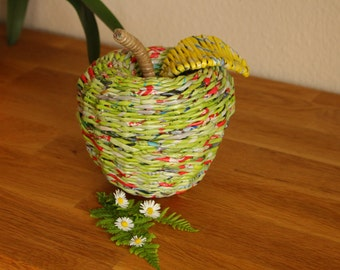 Apfelutensilo, basket from paper & advertising