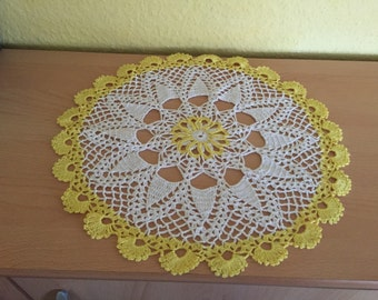 Crocheted Doilies white/yellow