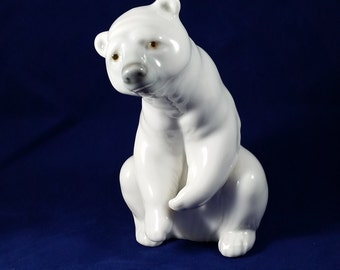 Lladro Resting Polar Bear Figurine #1208 Issued in 1972 Hand Made in Spain