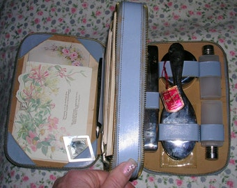 Vintage 1950's forget-me-not blue leather double compartment travel companion by Vermont (made in Australia)