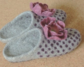 felt slippers, slipper shoes felted  home shoes women  Woolen clogs natural wool
