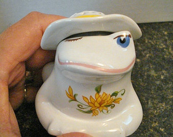Avon Porcelain Potpourri Holder Winking Frog 1980