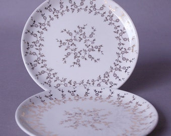 Plates, small dessert with gold leaf filigree pattern