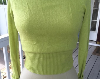 Vintage 1990's Abercrombie and Fitch light yellow/green low shoulder sweater