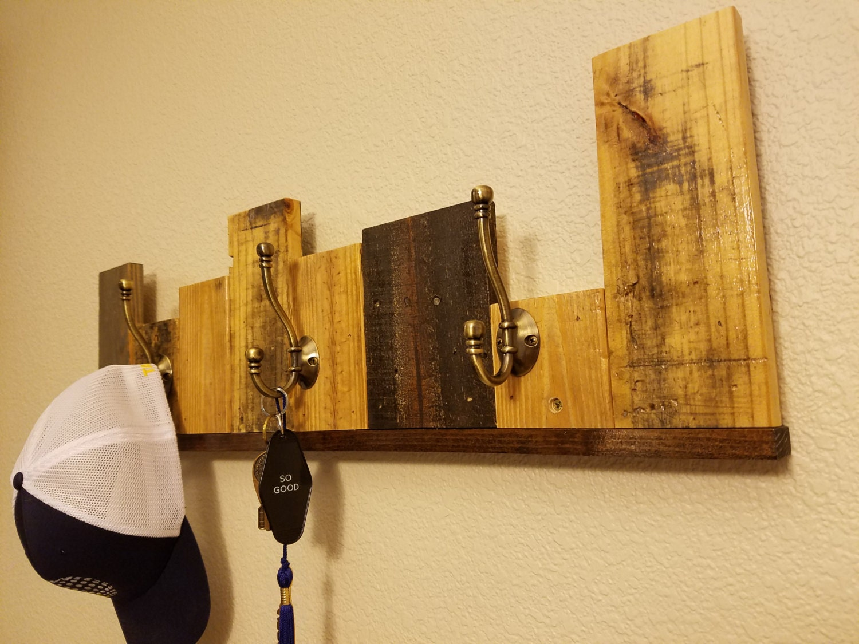 Old Fashioned Barn Wood Shelves Wall Decor Elaboration - Wall Art ...