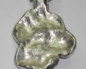 vulva vagina yoni  art jewelry Sterling silver rear end vulva pendant three