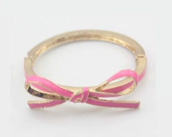 Bright Pink Bow Bangle