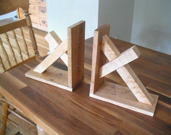 Reclaimed Pallet Wood Cross Bookends