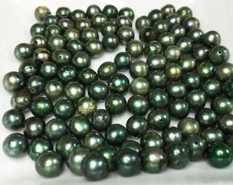 FRESHWATER DYED GREEN Pearls