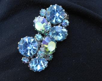 Vintage Weiss blue crystal  clip on earrings.