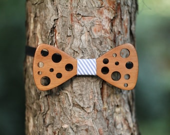 Wooden tie bow