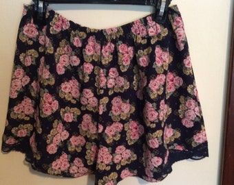 Hand-made Floral Pattern Play Shorts