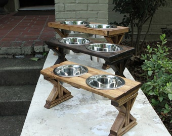 Medium Farmhouse X-Style Raised Pet Feeder