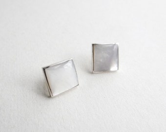 SIMPLE TRANSPARENT WHITE Handmade Mother of Pearl Square ear studs / earrings
