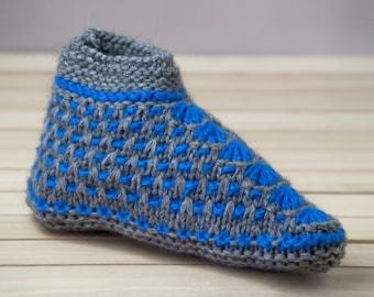 Knitted socks, women knitted slippers, knit socks, wool socks,hand knitted slippers,home socks,home slippers,handmade socks. US size 8.0-9.0