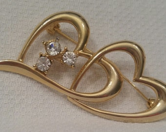 Gold double heart pin