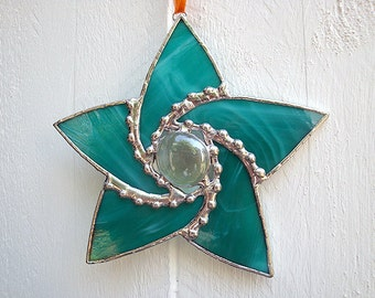 Stained Glass Star Ornament Suncatcher in Teal Green