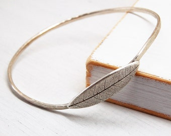 Sterling Silver Hammered Bangle with Fine Silver Leaf