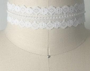 Choker white lace beaded
