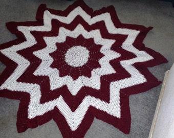 Maroon and White Starburst Blanket