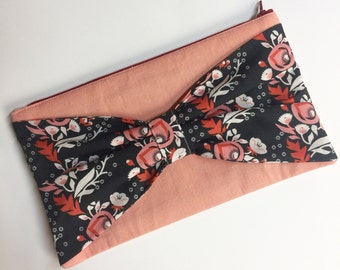Bow clutch. Evening clutch