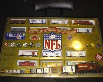 NEW HO NFL train set new in box factory sealed