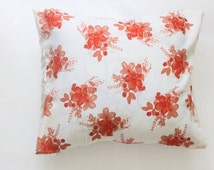 Cream White Pillow Cover with Flowers. 18x15. Silk and Cotton