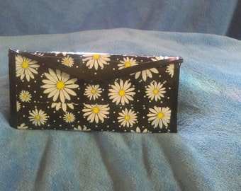 Black with Daisies tri fold wallet