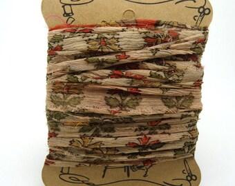 "Ribbon on ground ""SI0193"" vintage sari silk"