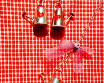 Earrings + necklace THE WATERING CANS -- Set of jewels, miniature watering cans, earrings and necklace by The Sausage