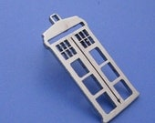 Dr Who Tardis Phone Booth Pin/Tie tack