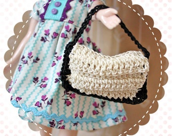 Vintage Dolly Size Crocheted Purse Handbag for Blythe or Similar Doll / Black and White